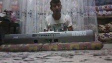 Piyanist Ali : Antebin Elinde