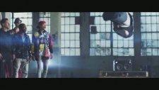 Bella Thorne & Zendaya - Watch Me