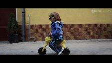 Bibanu Mixxl Feat. Doddy - Putin Noroc