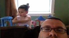 Bir Babanın Hiperaktif Kızından Çektikleri Kamerada