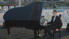 Enstrümantal Fon Müzikleri Piyano Yorumu Benzemez Kimse Sana Piyanist  Tarkan Müzeyyen Senar Güzel