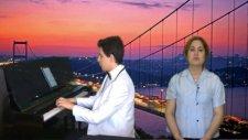 Aynı Bedende Can Gibiyiz Piyano Biz Ayrılamayız Piyanist Unutulmaz Damar Şarkısı Aynı Büyük Küçük No