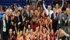 Avrupa Şampiyonu Galatasaray Odeabank Kupayı Kaldırdı!