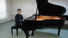 Çay Elinden Öteye Çocuk Piyanist İle Neşeli Karadeniz Rize Türküsü Piyano Küçük Minik Çocuklar Yeti
