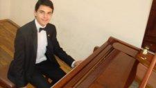 Yastıgı Kuş Tüyünden Solo Piyanist Nota Akor Eşlik Aldı Siirt Yöresi Güney Doğu Anadolu Türküsü Nota