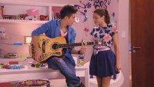 Violetta Violetta i Federico piewaj En mi mundo. Odcinek 61. Ogldaj w Disney Channel!