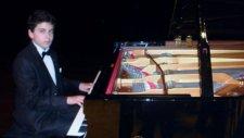 Güzel Aşık Çevrimizi Çekemezsin Demedim Mi? Çocuk Piyanist İle Senfonik İlahiler Pir Sultan Abdal Al