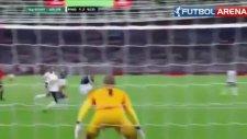 Kenny Miller'den akıl dolu bir gol!