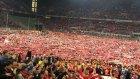 Köln şampiyonluğunu kutluyor