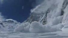 Everest Tepesinde Çığ Düşüşü