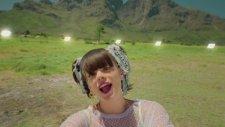 Lily Allen - Air Balloon