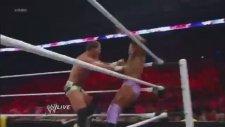 WWE Raw 11/12/12- Rey Mysterio, Sin Cara, Tyson Kidd & Justin Gabriel vs PTP, Epico & Primo