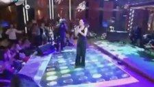 Sevcan Orhan - Kaşların Karasına - Beyaz Show 2014