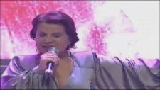 Yıldız Usmanova - Neyi Değiştirdik Ki 2012 ( Orhan Gencebay İle Bir Ömür ) Hd