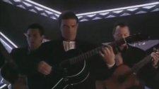 Antonio Banderas - Los Lobos