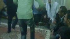 Seyyid Şeyh Fadıl Geylani Hz  Akrabası Ve Müritleriyle Def Zikri  1 2013 12 31