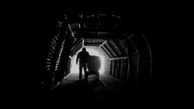 Cem Karaca - Maden Ocağının Dibinde