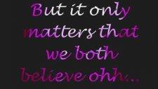 Christina Aguilera - We're A Miracle