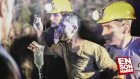 Türkiye Soma'daki İşçilere Ağlıyor !!!