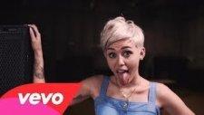 Miley Cyrus - Love.money.party