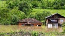 Sırbistan'da Dört Aylık Yağmur Bir Günde İndi