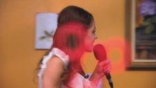 Violetta - Violetta Piewa W Kawiarni En Mi Mundo. Odcinek 19. Ogldaj W Disney Channel!