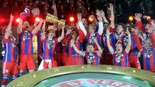 Bayern Münih'in kupa kutlaması
