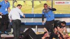 Kıbrıs Rum Kesimi'nde Yedek Kulübesindeki Oyuncu Vuruldu