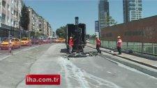 Zeytinburnu'nda Marmaray Çalışmaları Sırasında Yol Çöktü