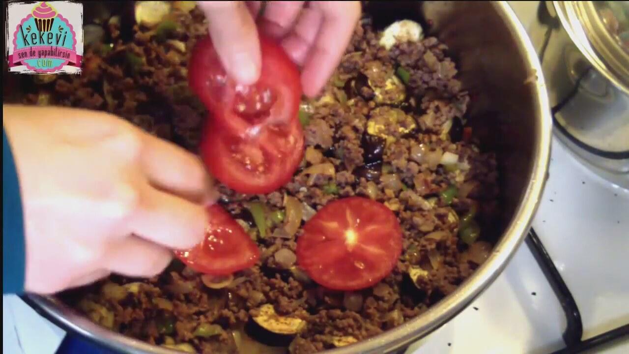 Fırında Patlıcan Musakka Nasıl Yapılır Videosu