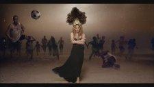 Shakira-La La La(2014 Dünya Kupası Şarkısı)