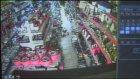 Deprem anı iş yerlerinin güvenlik kameralarınca kaydedildi - ECEABAT