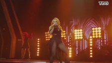 Shakira - Can't Remember To Forget You (Echo Awards Canlı Performans)