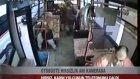Otobüste Hırsızlık Anı Kamerada
