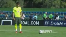 Neymar Öyle Bir Penaltı Attıki