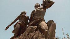 Afrika'nın Rönesans Heykeli (senegal) - (hd)