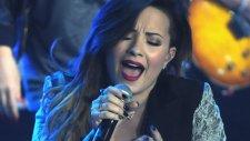 Demi Lovato - Here We Go Again (Canlı Performans)