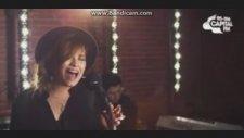 Demi Lovato- Neon Lights ( Capital Fm Performance)