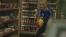 Zinedine Zidane için Çok Özel Bir Şarkı