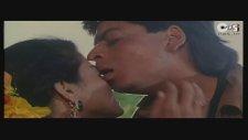 Shahrukh Khan & Kajol - Jaati Hoon Main