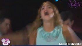 Violetta 2 - Violetta Hace Playback De