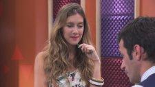 Violetta: Angie Canta ¨ Algo Se Enciende¨ ( Temp 2 Ep 42)