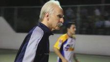 Futbol Cambazı Dedeye Dikkat! - Sean Garnier