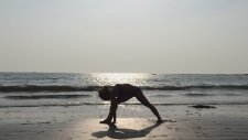 Beach Yoga Sun Salutation B İn Goa With Kino