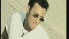 Mustafa Sandal - Bu Kız Beni Görmeli