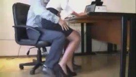 Patron Seksi Sekreteri Taciz Ediyor
