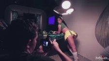 Larissa Riquelme'den Brezilya Formasıyla Sıcak Görüntüler