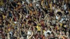 Maç sonu Galatasaray taraftarlarından Nevizade Geceleri