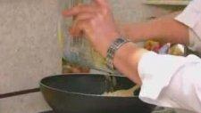 Maggi İle Peynir Soslu Makarna