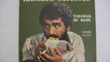 Ibrahim Tatlises - Gülmemiz Gerek